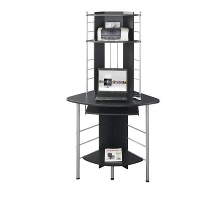 Компьютерные столы с угловой или прямой столешницей: советы и рекомендации