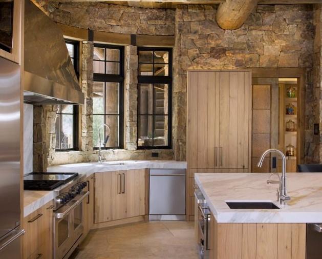 Камень в отделке кухни